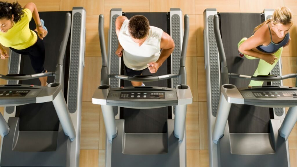 people using treadmill