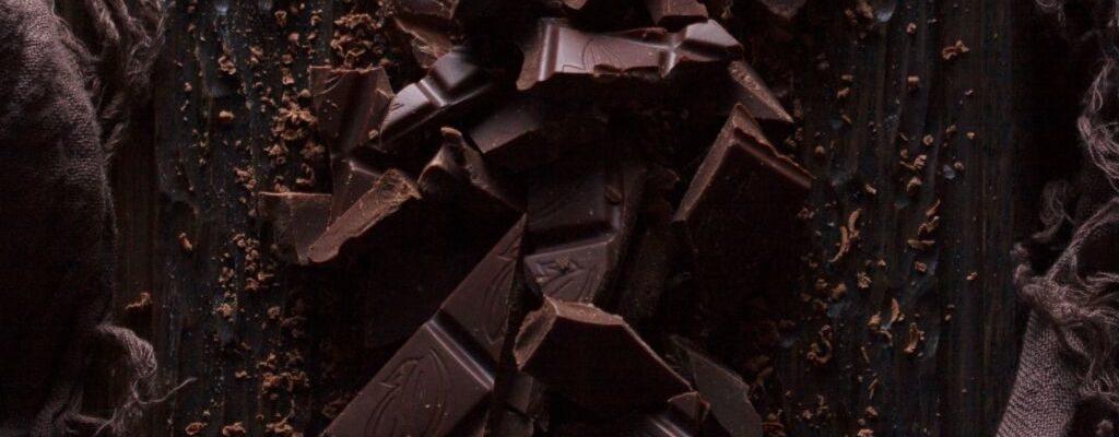 dark chocolate broken into pieces