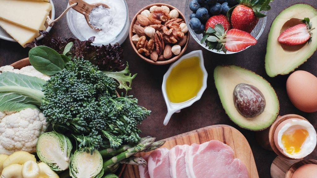 healthy foods including vegetables and lean meat