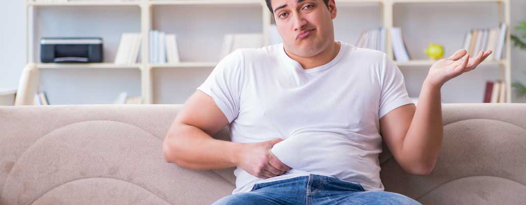 guy squeezing stomach
